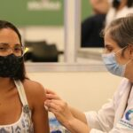 vacinacao_covid-19_hospital_das_clinicassao_paulo_rvrsa_2001213896.jpg